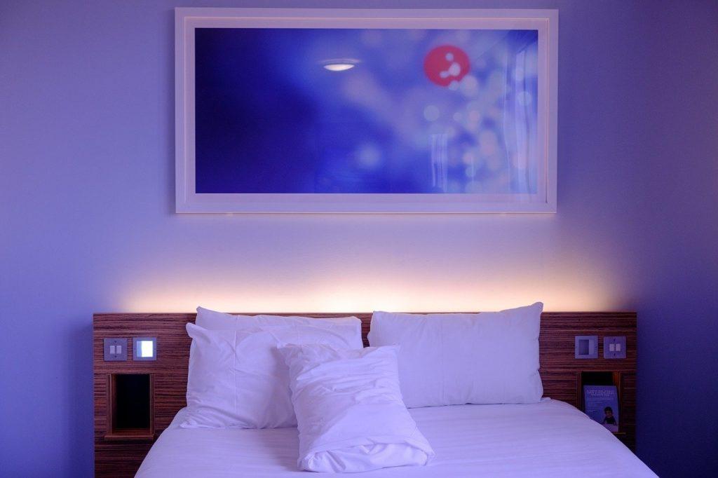 リラックス 睡眠 ベッド ベッドルーム