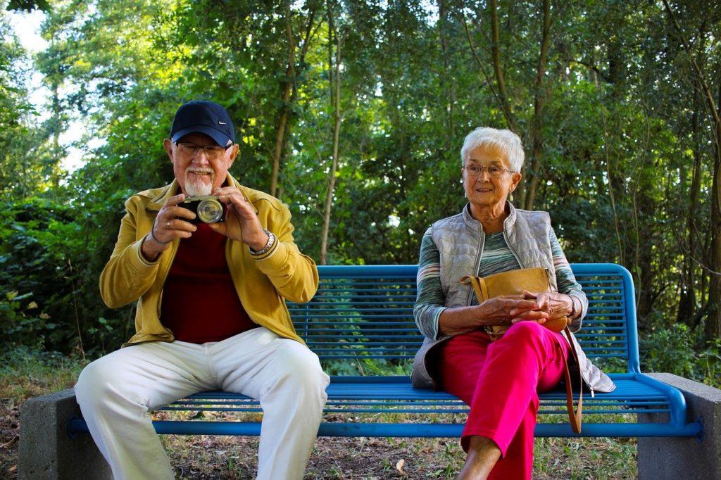 アクティブシニア 高齢化 60代 70代 80代 夫婦 定年 定年退職 定年後 シニア層 団塊世代
