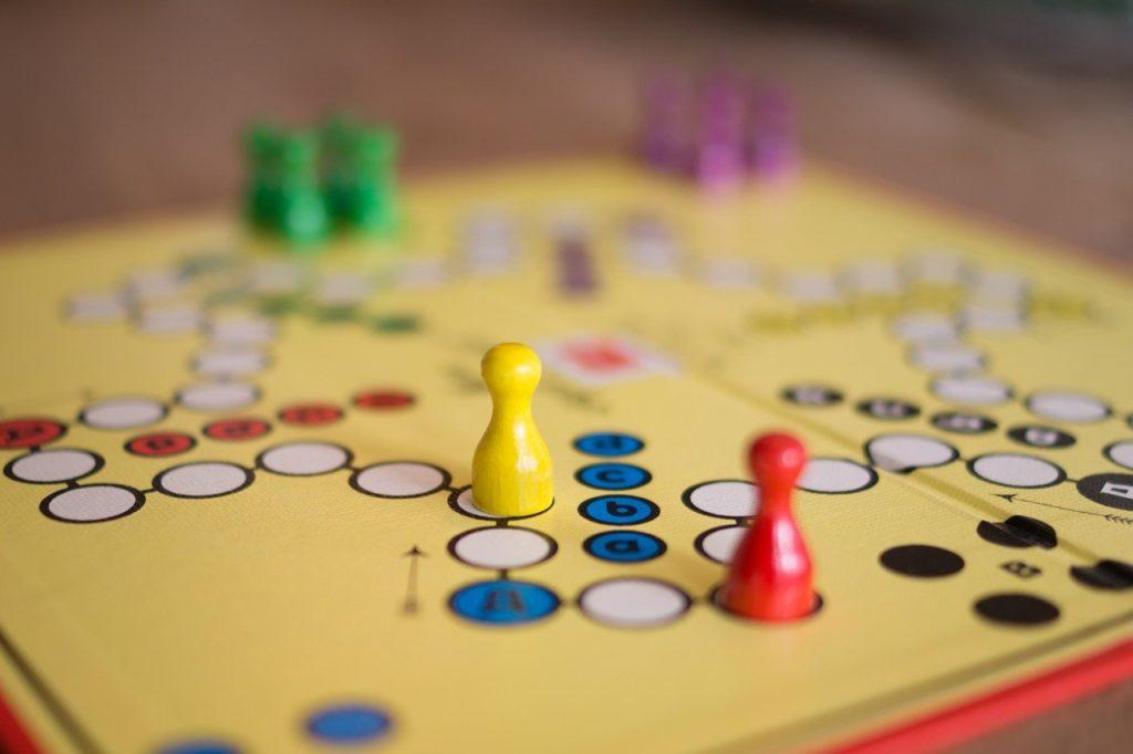 ボードゲーム 競争 ゲーム 相互作用 室内ゲーム   戦略